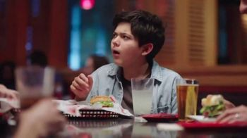 Red Robin TV Spot, 'Bottomless Fun with Your Fam' - Thumbnail 8