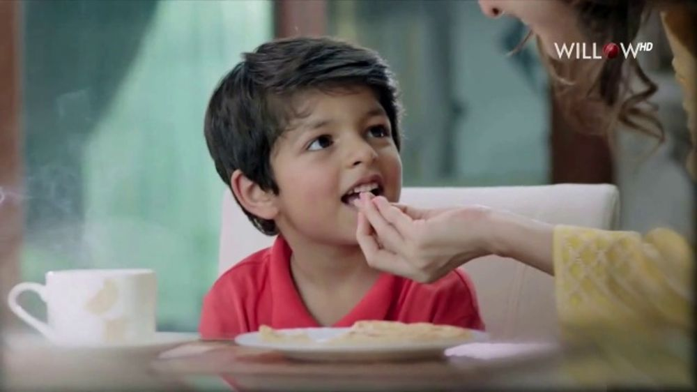 Dawn Bread Plain Paratha TV Commercial, 'Mother and Son'