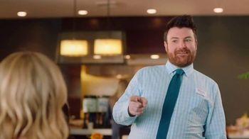 Hilton Garden Inn TV Spot, 'Judy Eats Breakfast' Featuring Judy Greer - Thumbnail 5