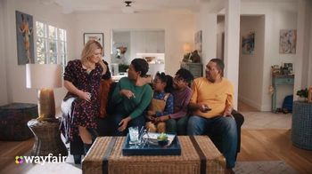 Wayfair TV Spot, 'Living Room Switch Up' Featuring Kelly Clarkson - Thumbnail 3