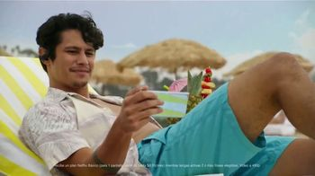 T-Mobile TV Spot, 'Smartphones gratis y Netflix' canción de Major Lazer [Spanish] - 111 commercial airings