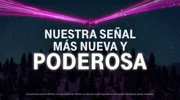 T-Mobile TV Spot, 'Smartphones gratis y Netflix' canción de Major Lazer [Spanish] - Thumbnail 7