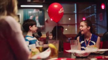 Red Robin TV Spot, 'All the Fulls: Medal' - Thumbnail 8