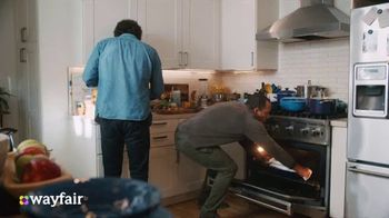 Wayfair TV Spot, 'Dysfunctional Kitchen' Featuring Kelly Clarkson