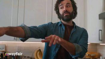 Wayfair TV Spot, 'Dysfunctional Kitchen' Featuring Kelly Clarkson - Thumbnail 2