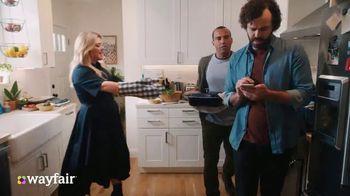 Wayfair TV Spot, 'Dysfunctional Kitchen' Featuring Kelly Clarkson - Thumbnail 7