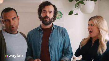 Wayfair TV Spot, 'Dysfunctional Kitchen' Featuring Kelly Clarkson - Thumbnail 9