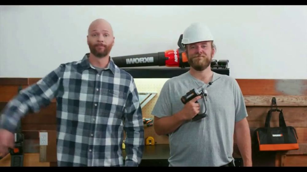 SwitchDriver TV Commercial, 'Dual Chucks'
