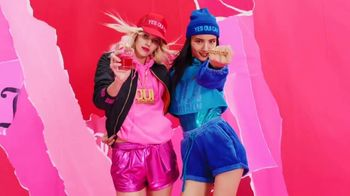 Juicy Couture Oui TV Spot, 'The Power of Oui: Gift Sets' - Thumbnail 4