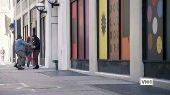 Hershey's TV Spot, 'Holidays: VH1: Caroling' - Thumbnail 1