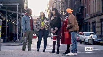 Hershey's TV Spot, 'Holidays: VH1: Caroling'