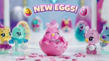 Hatchimals CollEGGtibles Season 6.5 The Royal Snow Ball TV Spot, 'Accessories in Every Egg' - Thumbnail 4