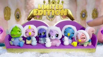 Hatchimals CollEGGtibles Season 6.5 The Royal Snow Ball TV Spot, 'Accessories in Every Egg' - Thumbnail 6