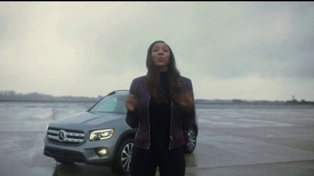 Mercedes-Benz GLB TV Commercial, 'ESPN: Nothing But Yes' Ft. Maria Taylor, Bob Stoops, David Pollack