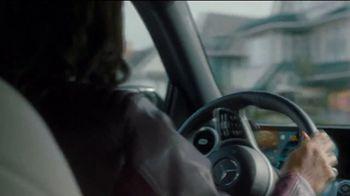 Mercedes-Benz GLB TV Spot, 'ESPN: Nothing But Yes' Ft. Maria Taylor, Bob Stoops, David Pollack [T1] - Thumbnail 2