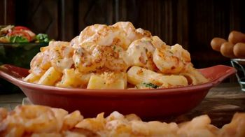 Olive Garden Oven Baked Pastas TV Spot, 'Smoked Mozzarella Shrimp Rigatoni: Behold' - Thumbnail 3