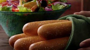 Olive Garden Oven Baked Pastas TV Spot, 'Smoked Mozzarella Shrimp Rigatoni: Behold' - Thumbnail 7