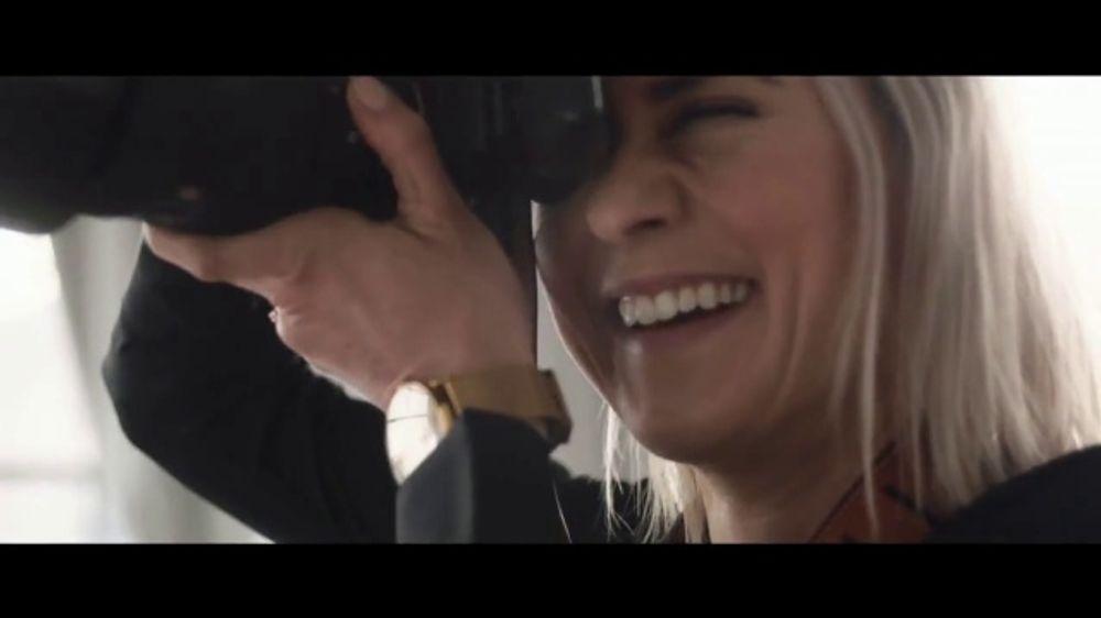 Unwrap a Jaguar Sales Event TV Commercial, '2019 F-PACE: Julia and Aaron' [T2]