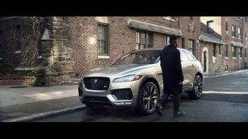 Unwrap a Jaguar Sales Event TV Spot, '2019 F-PACE: Julia and Aaron' [T2] - Thumbnail 6