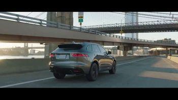 Unwrap a Jaguar Sales Event TV Spot, '2019 F-PACE: Julia and Aaron' [T2] - Thumbnail 8