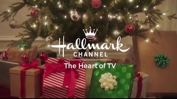 JCPenney TV Spot, 'Hallmark Channel's Countdown to Christmas: Joyful' Featuring Danica McKellar - Thumbnail 8