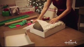JCPenney TV Spot, 'Hallmark Channel's Countdown to Christmas: Joyful' Featuring Danica McKellar - Thumbnail 5