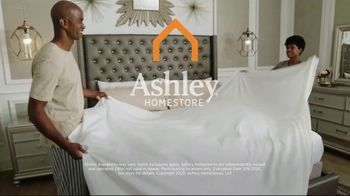 Ashley HomeStore Best of the Best Mattress Sale TV Spot, 'Ends Monday: Ashley Cash' Song by Midnight Riot - Thumbnail 9