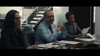 Volkswagen Atlas Cross Sport TV Spot, 'Tiger' Featuring Paul Giamatti [T1] - Thumbnail 1
