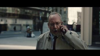 Volkswagen Atlas Cross TV Spot, 'Islands' Featuring Paul Giamatti [T1] - Thumbnail 4