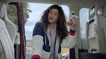 2020 Chrysler Pacifica TV Spot, 'School Drop-Off' Featuring Kathryn Hahn [T2] - Thumbnail 5