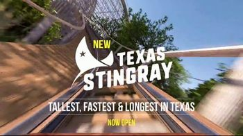 SeaWorld San Antonio TV Spot, 'Texas Stingray & Tonga Twister: Annual Pass' - Thumbnail 3