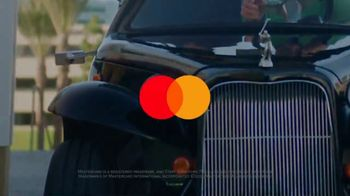 Mastercard Tap and Go TV Spot, 'Vending Machine' Featuring Justin Rose, Tom Watson - Thumbnail 10
