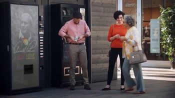 Mastercard Tap and Go TV Spot, 'Vending Machine' Featuring Justin Rose, Tom Watson - Thumbnail 5