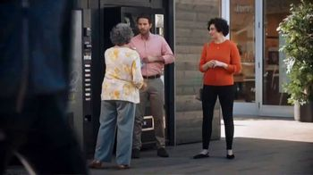 Mastercard Tap and Go TV Spot, 'Vending Machine' Featuring Justin Rose, Tom Watson - Thumbnail 7