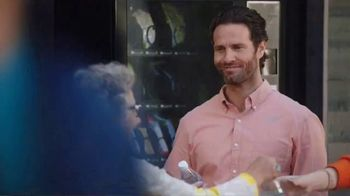 Mastercard Tap and Go TV Spot, 'Vending Machine' Featuring Justin Rose, Tom Watson - Thumbnail 8