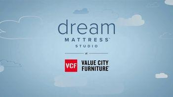 Value City Furniture Dream Mattress Studio TV Spot, 'Doorbusters: $300 Off' - Thumbnail 8