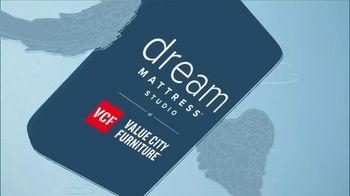 Value City Furniture Dream Mattress Studio TV Spot, 'Doorbusters: $300 Off' - Thumbnail 1