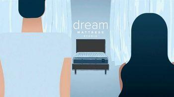 Value City Furniture Dream Mattress Studio TV Spot, 'Doorbusters: $300 Off' - Thumbnail 3