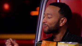 Lay's Cheddar Jalapeño TV Spot, 'NBC: Blind Audition' Featuring John Legend - Thumbnail 5
