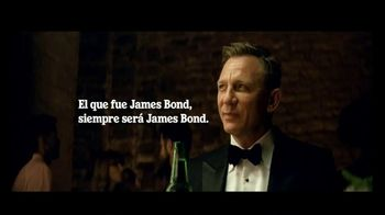 Heineken TV Spot, 'Daniel Craig vs. James Bond: la misión' con Daniel Craig [Spanish] - Thumbnail 8
