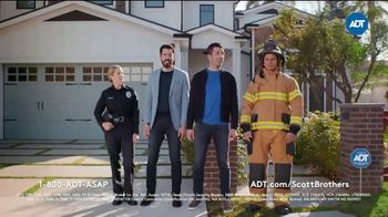 ADT TV Spot, 'More Important Than a Beautiful Home' Featuring Jonathan and Drew Scott - Thumbnail 8