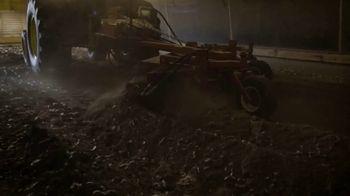 John Deere 4M Heavy Duty Compact Utility Tractors TV Spot, 'Enter the Poultry House' - Thumbnail 3