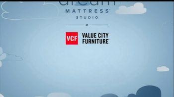 Value City Furniture Dream Mattress Studio Sleep Sale TV Spot, 'Leap Day' - Thumbnail 10
