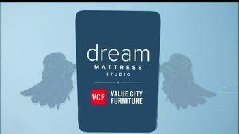 Value City Furniture Dream Mattress Studio Sleep Sale TV Spot, 'Leap Day' - Thumbnail 2