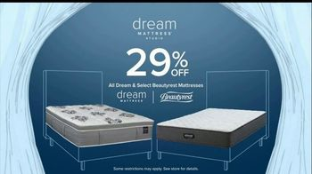 Value City Furniture Dream Mattress Studio Sleep Sale TV Spot, 'Leap Day' - Thumbnail 6