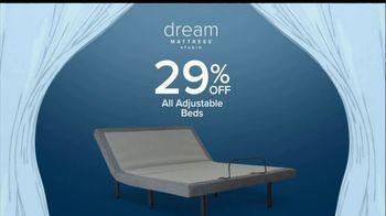 Value City Furniture Dream Mattress Studio Sleep Sale TV Spot, 'Leap Day' - Thumbnail 7