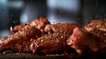 Hooters Roasted Wings TV Spot, 'Only One Thing You Think Of' - Thumbnail 6