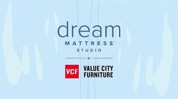 Value City Furniture Dream Mattress Studio TV Spot, 'Dreamy Savings' - Thumbnail 1