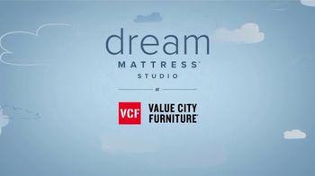 Value City Furniture Dream Mattress Studio TV Spot, 'Dreamy Savings' - Thumbnail 9