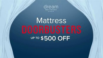 Value City Furniture Dream Mattress Studio TV Spot, 'Dreamy Savings' - Thumbnail 7